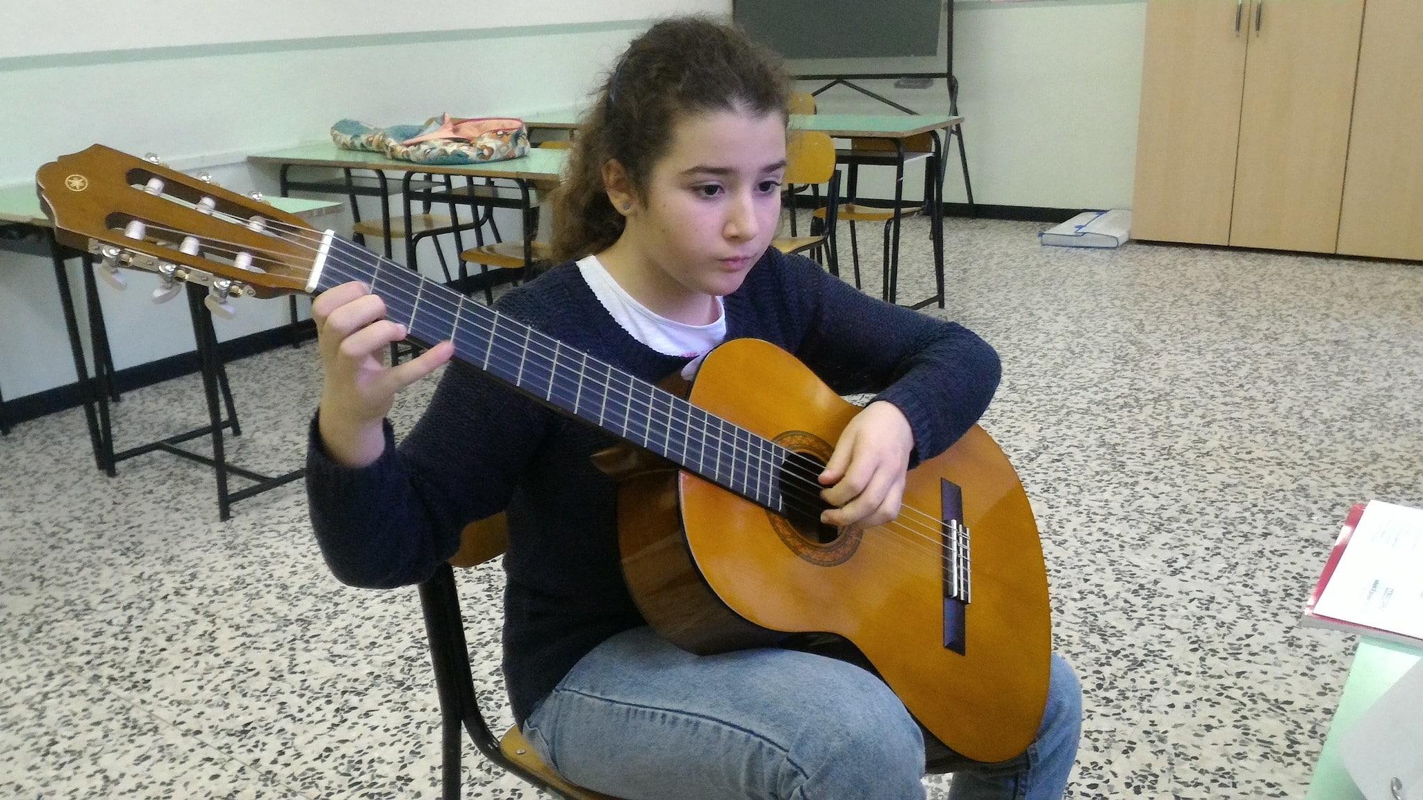 Abeni Viola